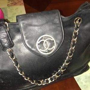 Chanel chain bag